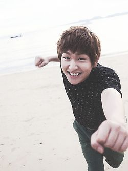 =) Onew oppa you never fail to make me smile <3 all because of your angelic smile :D