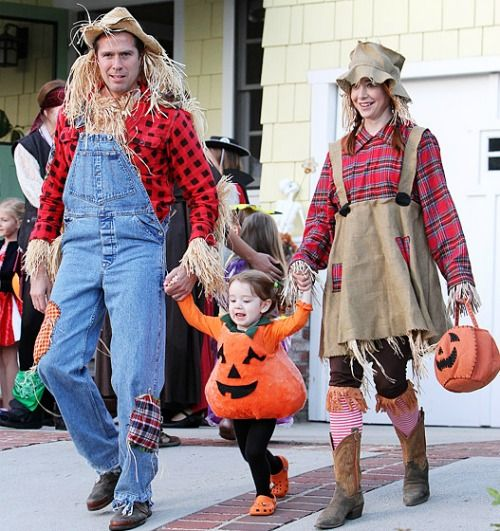 Be An Adorable Scarecrow Like Alyson Hannigan 10 Creative