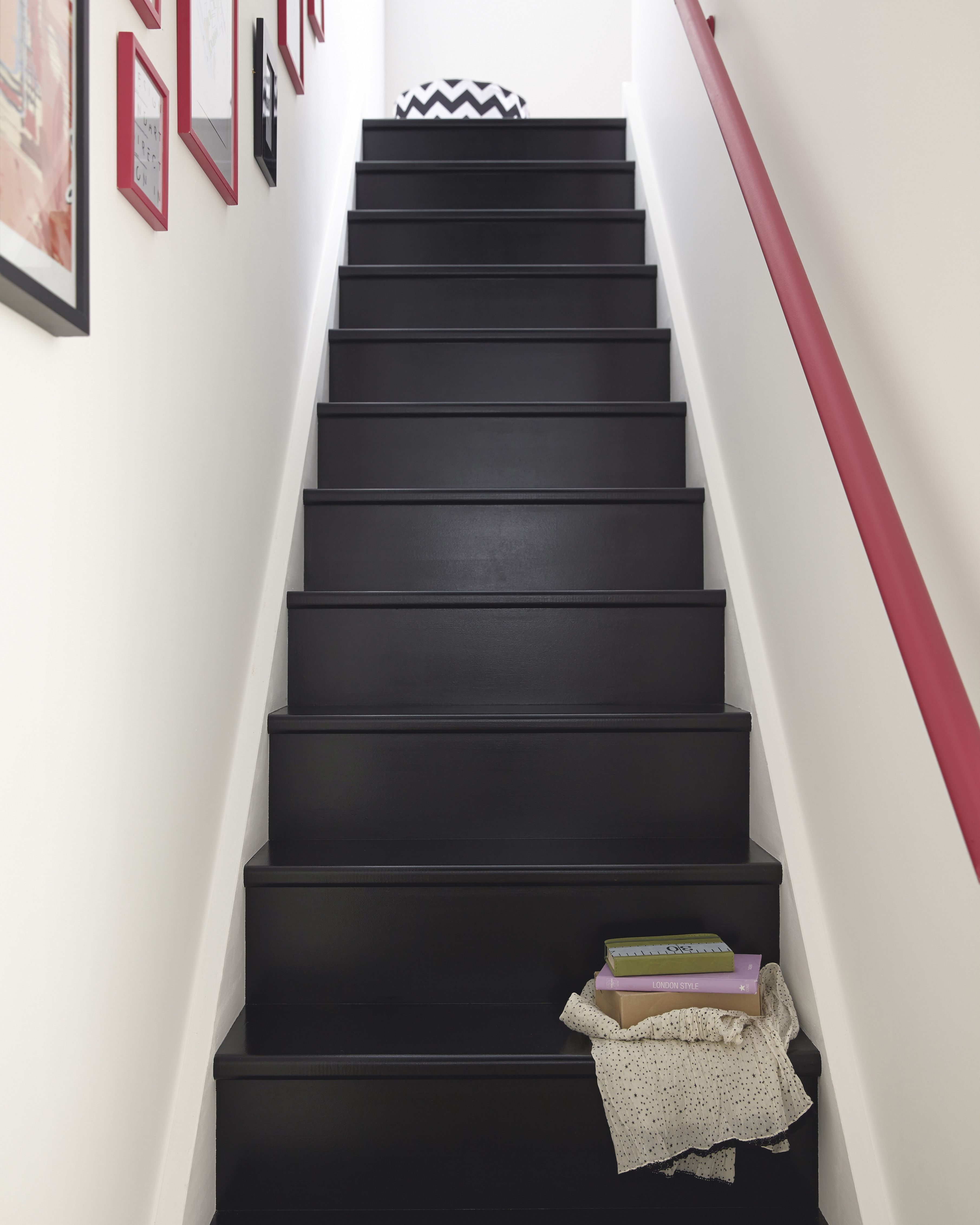 escalier lanc escalier escalierrelooke entr e et. Black Bedroom Furniture Sets. Home Design Ideas
