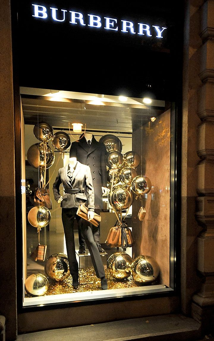 burberry christmas display schaufenster pinterest schaufenster. Black Bedroom Furniture Sets. Home Design Ideas
