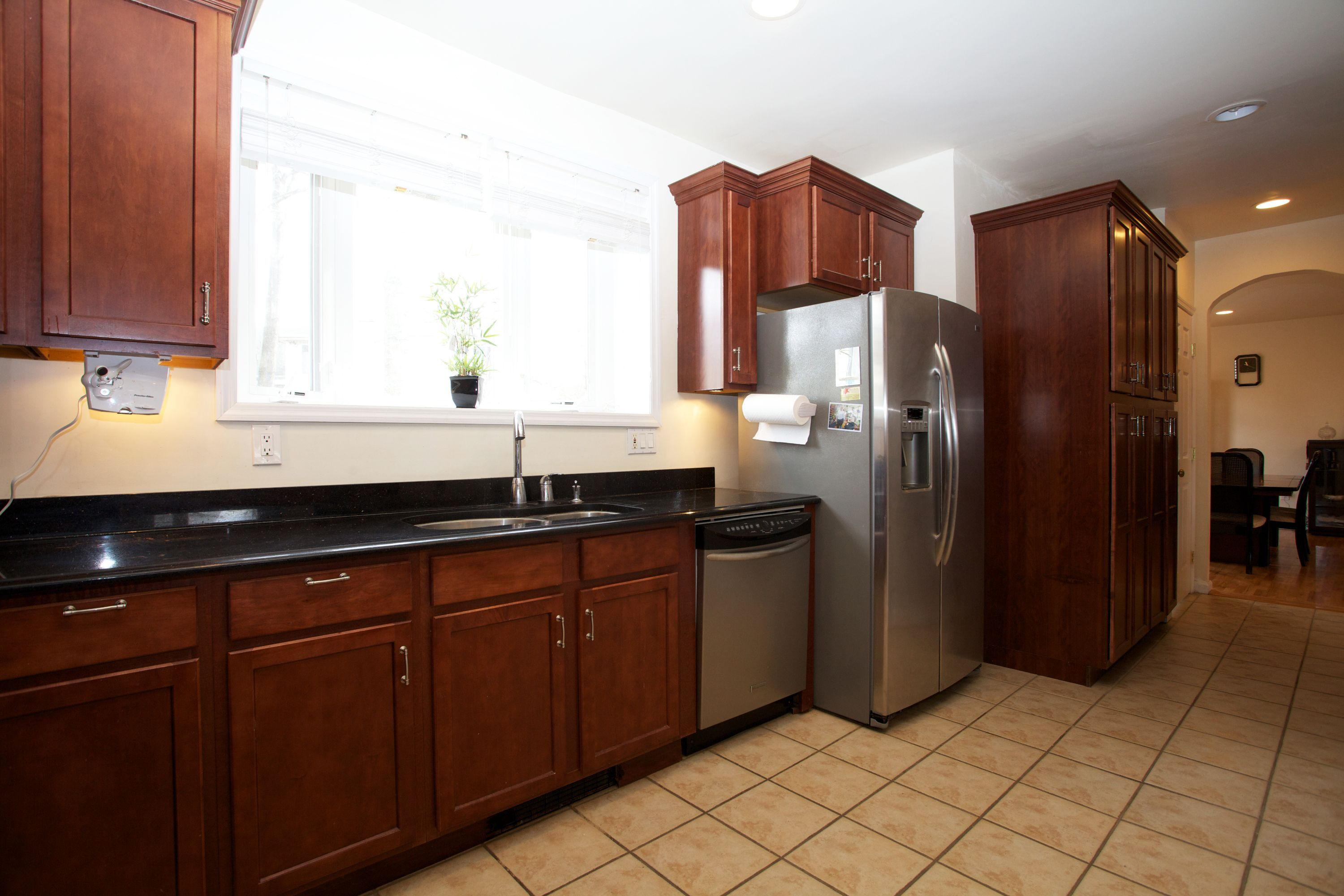 Kitchen In The 4 Bedroom 4 Bathroom Colonial In Teaneck Nj