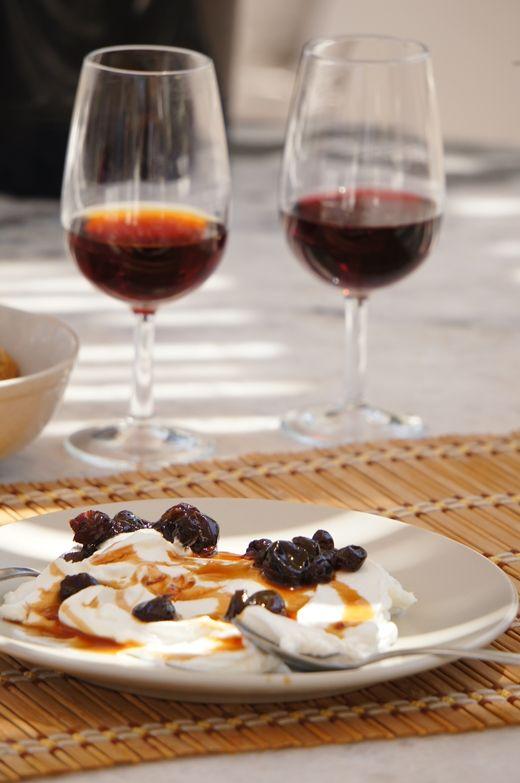 lumo lifestyle: A week in Santorini A simple dessert of Greek yoghurt, raisins & honey