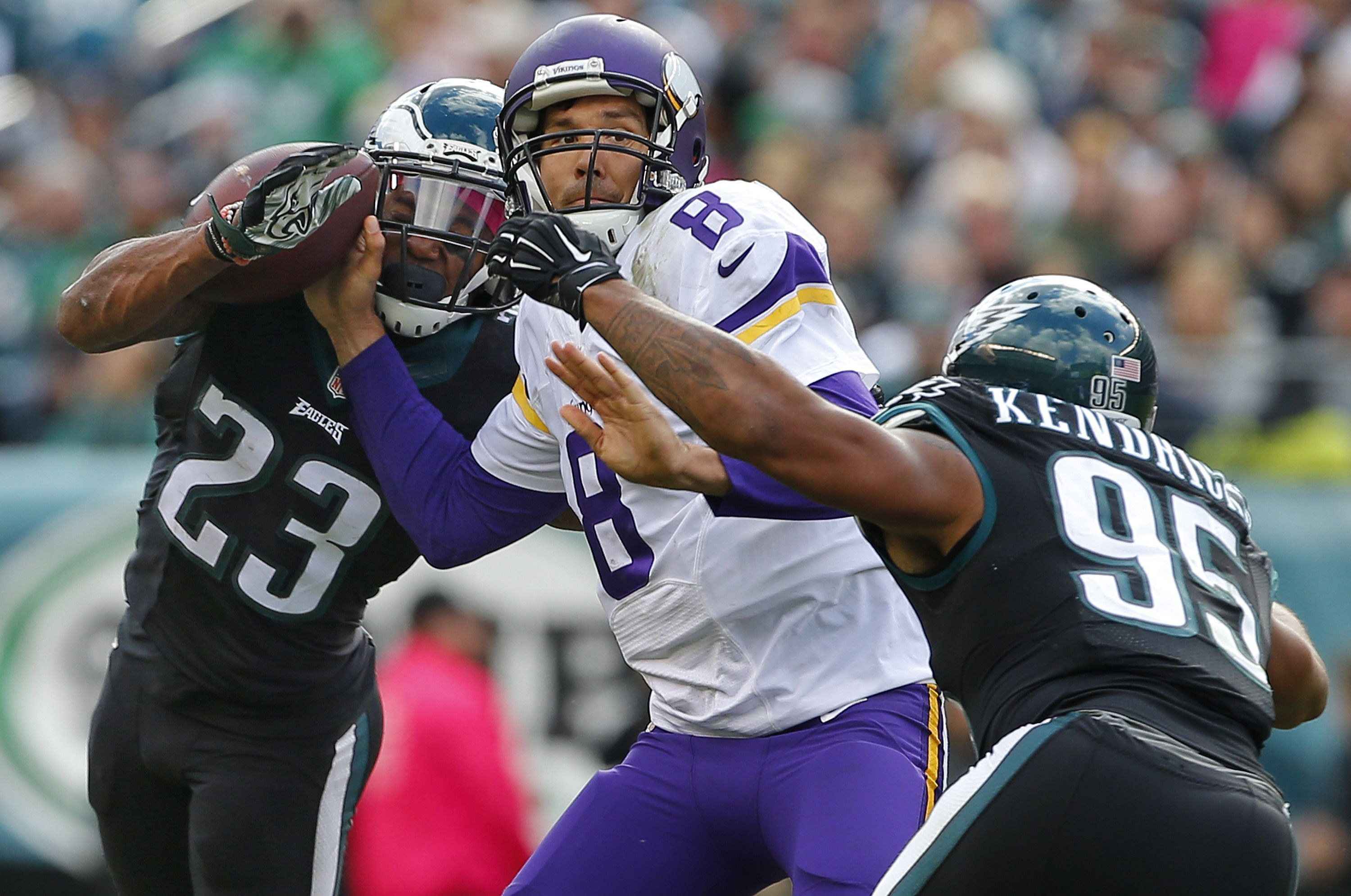 PHILADELPHIA, PA - OCTOBER 23: Rodney McLeod #23 of the Philadelphia Eagles forces the fumble on Sam Bradford #8 of the Minnesota Vikings as Mychal Kendricks #95 of the Philadelphia Eagles pressures in the second quarter during a NFL game at Lincoln Financial Field on October 23, 2016 in Philadelphia, Pennsylvania. The Eagles defeated the Vikings 21-10.  (3000×1990)