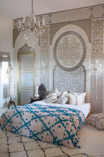 Moroccan bedroom and Moroccan Wedding Blanket from M.Montague. This one is unbelievable with the blue and pink diamonds!