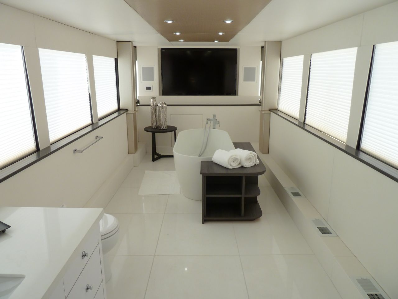 Flat Screen TV In The Bathroom Of Simon Cowellu0027s Trailer. Check Out More On  GACu0027s