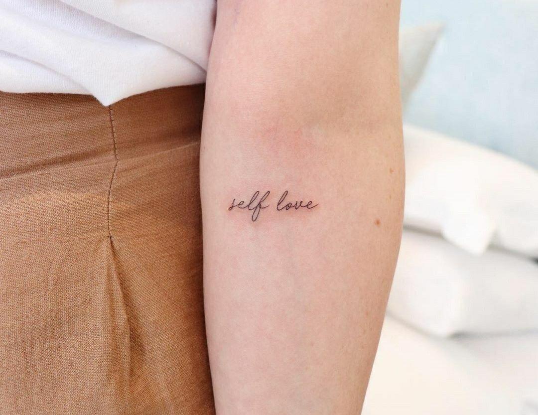 Tattoo Self Love En 2021 Tatuajes Femeninos Tatuaje Lineas Tatuajes