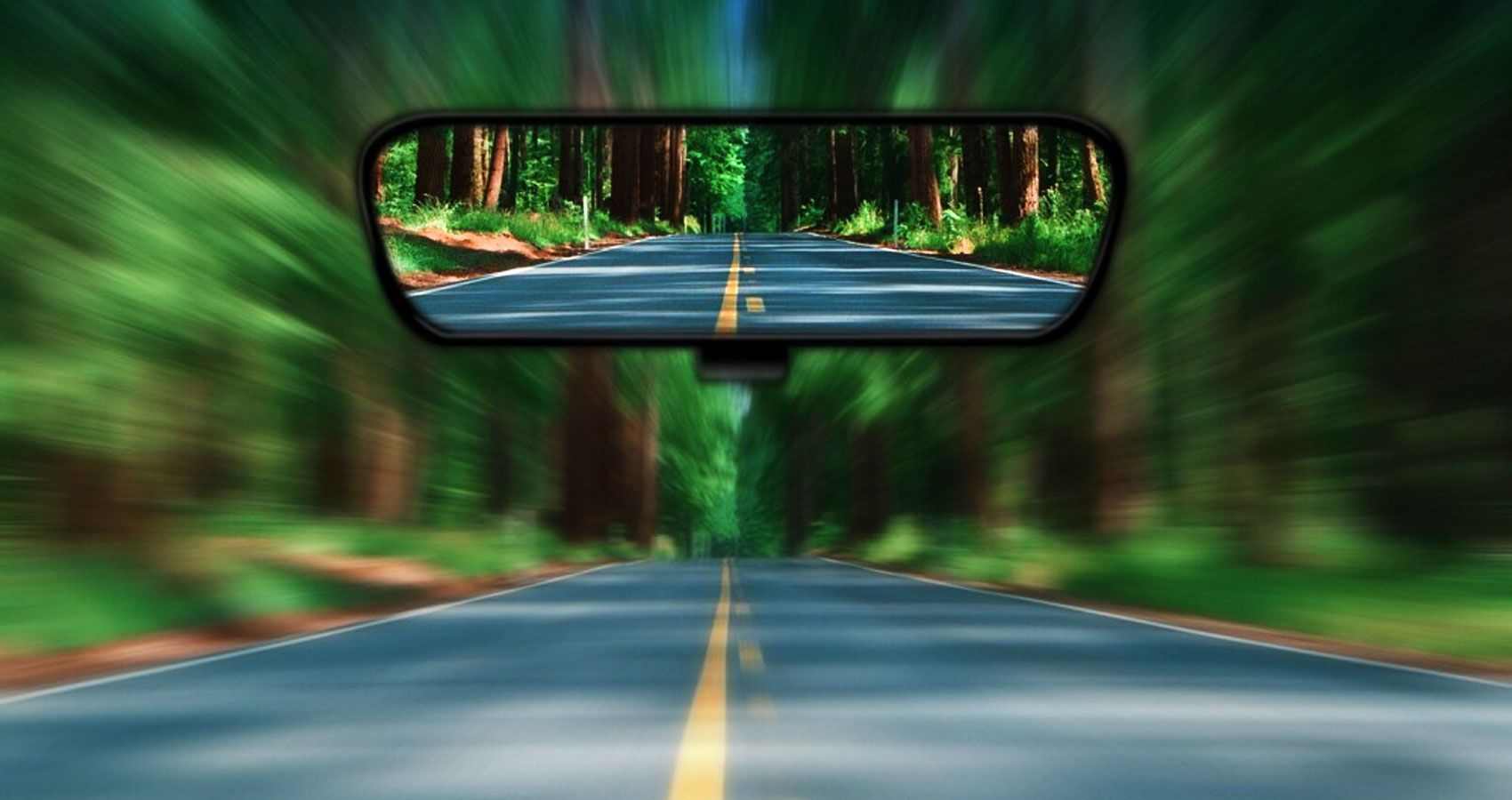 looking back through the rear-view mirror | Xe tải, Tin tức