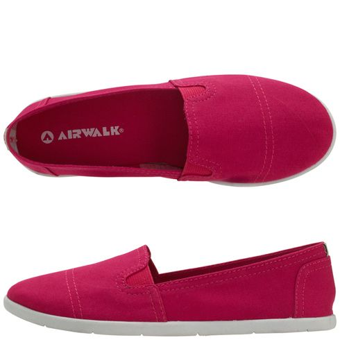 Go back to casual this fall by adding these bright slip ons from Payless at Shopko to your wardrobe! #shopko #payless