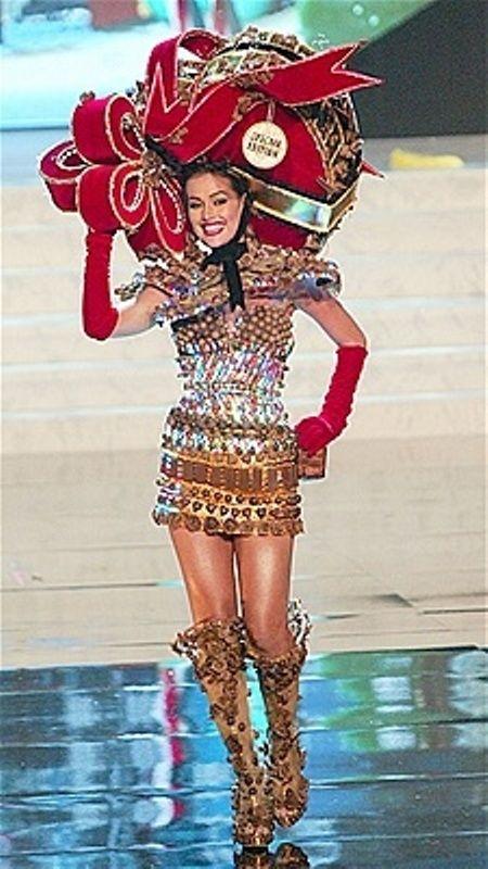 ee744874d Traje de Fantasía inspirado en el Cacao y Chocolate Venezolano - para Irene  Esser para el Miss Universe.