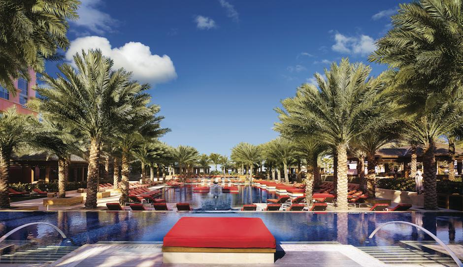 Honeymoon Destination: Atlantis on Paradise Island in the Bahamas | Philadelphia Wedding
