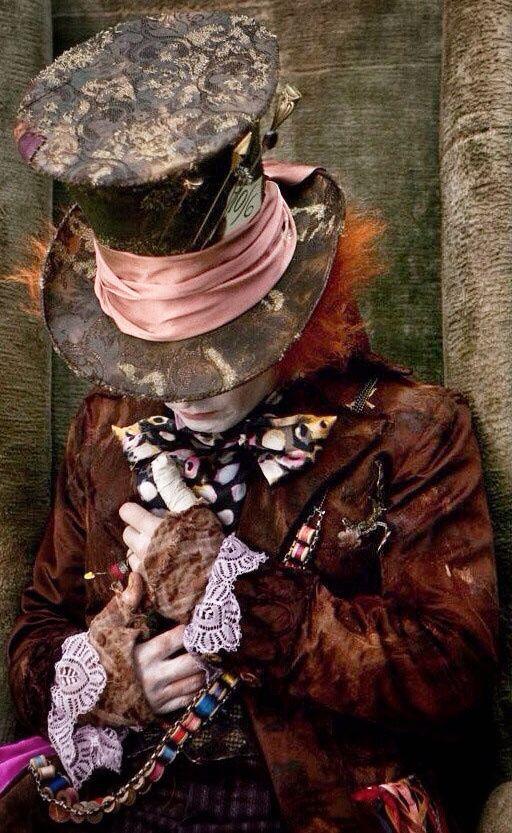 Tim Burton's Alice in Wonderland. Mad Hatter fashion. #JD ...  Mad