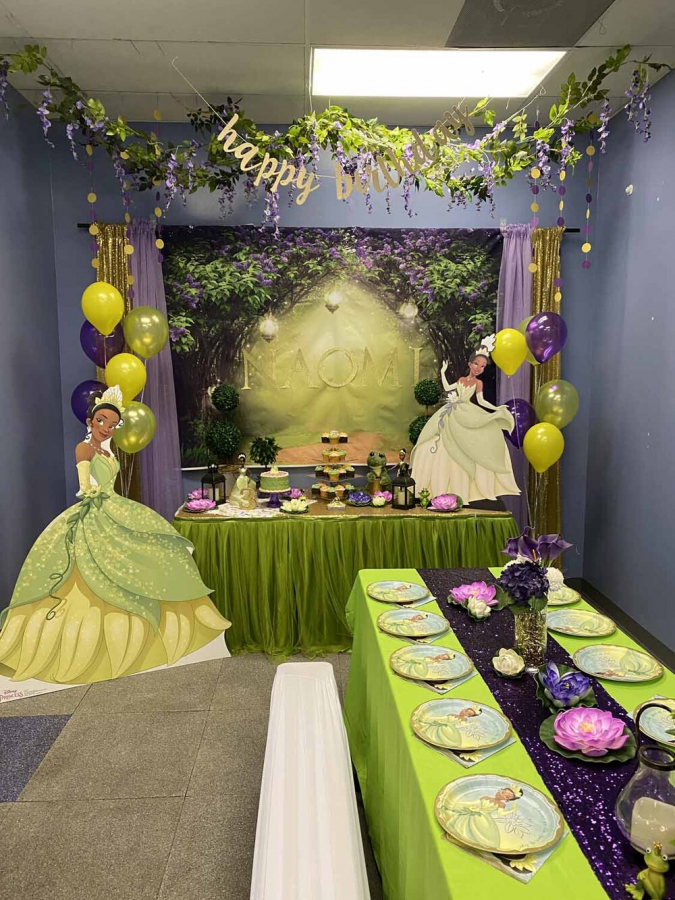Princess And The Frog Tianna Party Decorations Orlando Fl In Princess And The Frog In 2020 Frog Party Decorations Princess Tiana Birthday Party Princess Birthday Party
