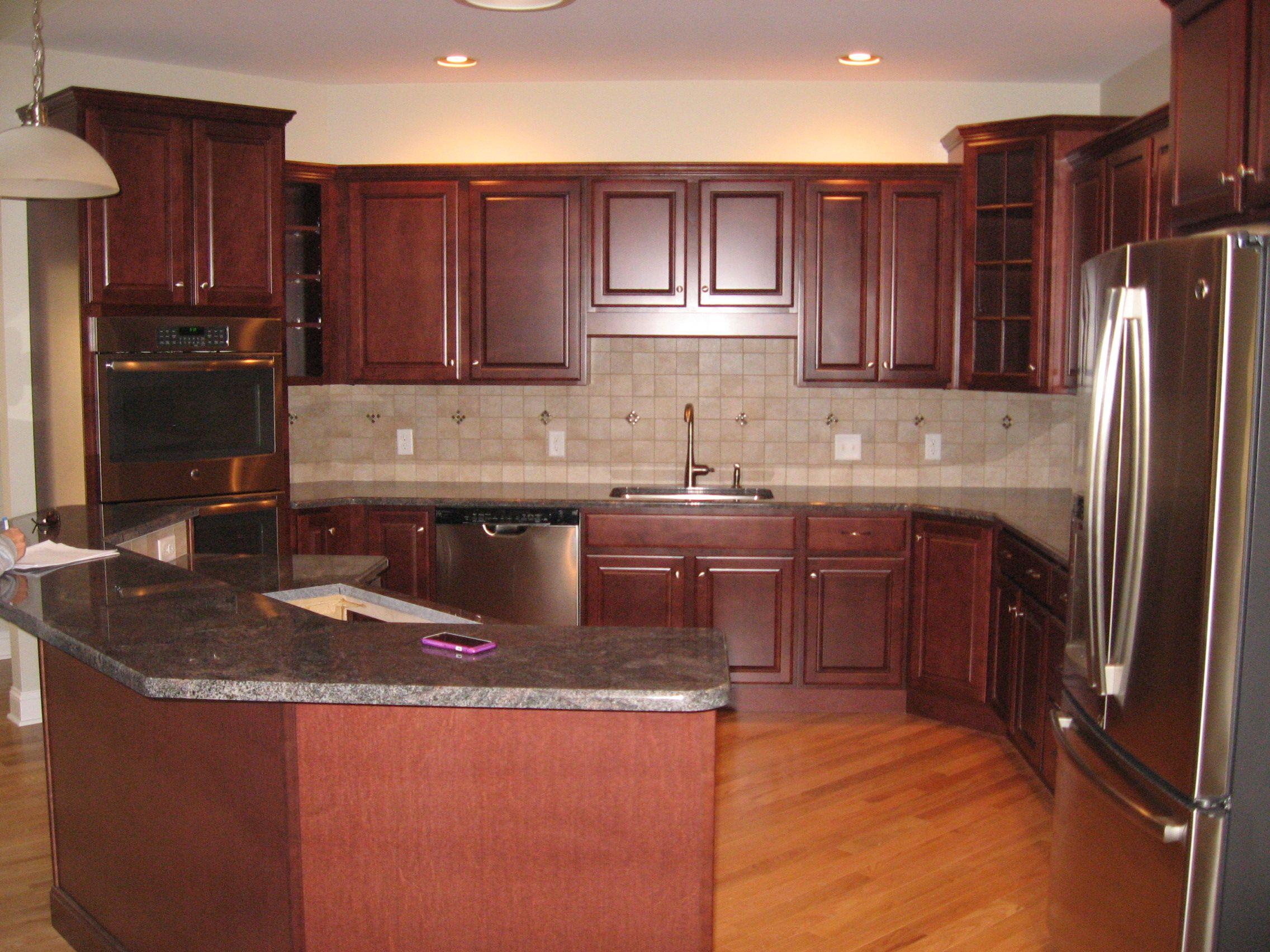 Customcabinets Mechanicsburgpennsylvania Https Www Kountrykraft Com Custom Kitchen Cabinets Painting Cabinets Custom Cabinetry