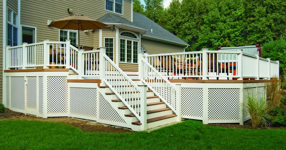 fascinating outdoor living room design | Astonishing Outdoor Living Space Using Decks With Lattice ...