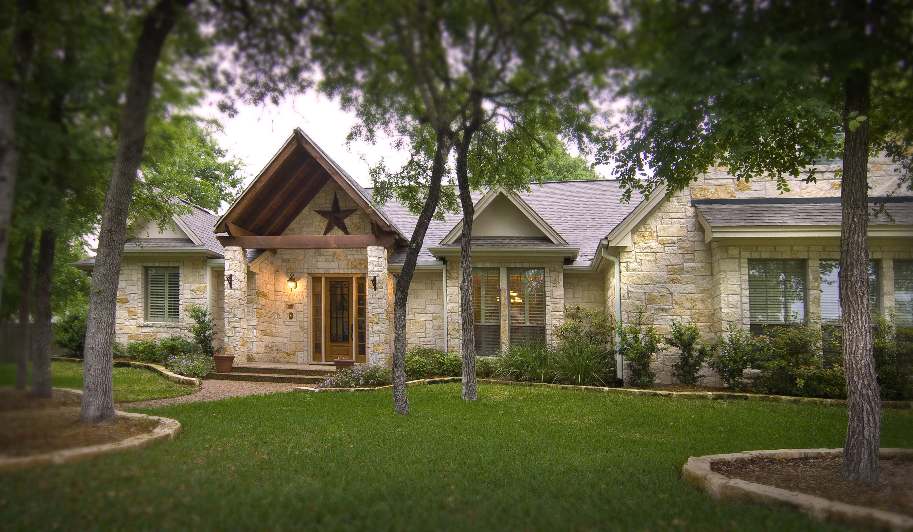 Pin By Pat Mayerhoff On Homes Stone Houses Hill Country Homes Stone Exterior Houses