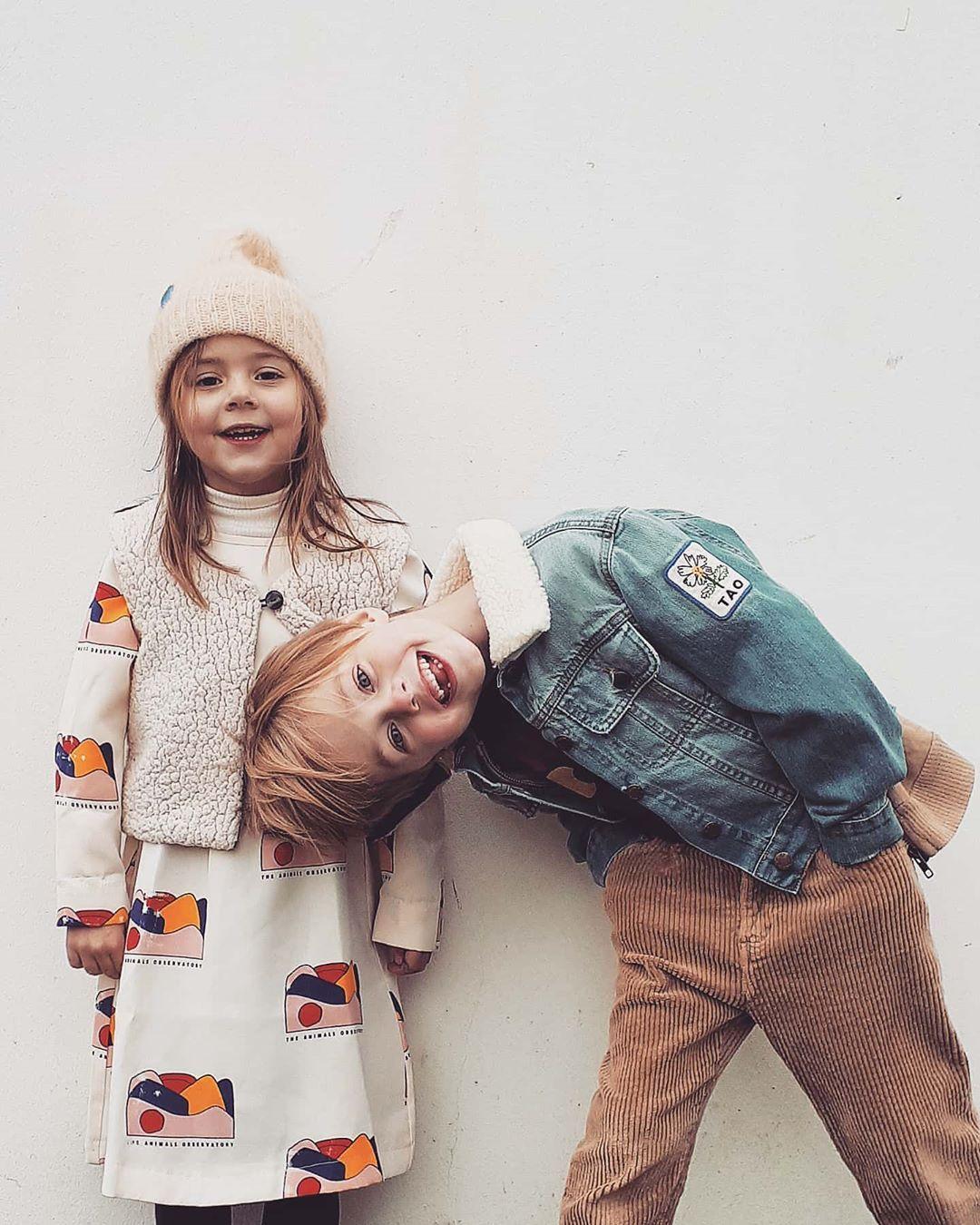"Coosje & Julius on Instagram: ""Two peas  #inapod #myalmosttwin #theanimalsobservatory #kidsfashion #kidsportraits  #fashionkid #fashionboy #kootd #fashiongirl #umh_kids…"""