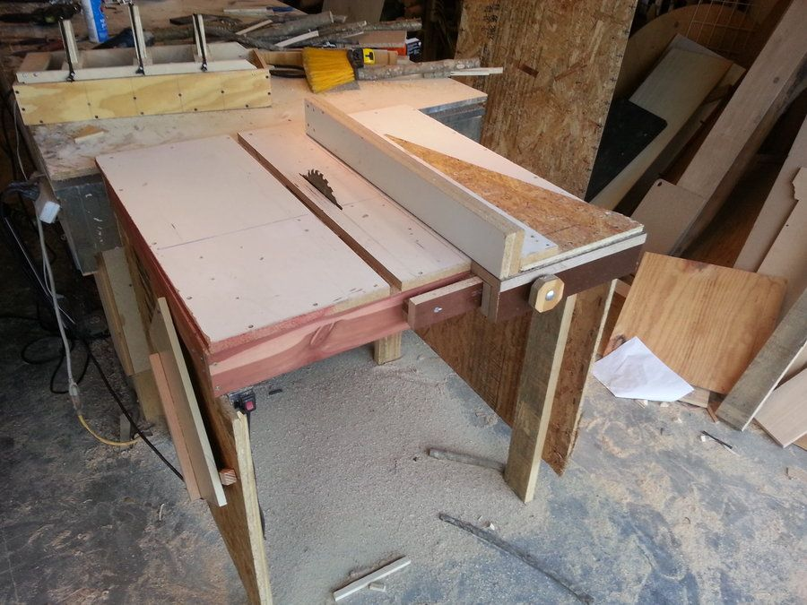 Homemade Table Saw Is Making Sawdust By The Barrels By