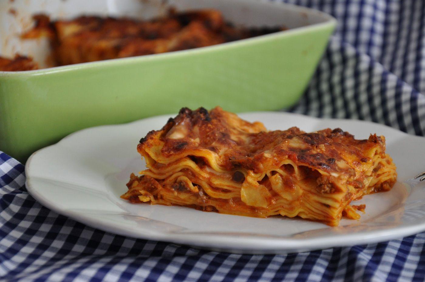 Confondere i Vincisgrassi con le lasagne è quasi un peccato mortale, nelle splendide Marche che hanno dato i natali a questo piatto