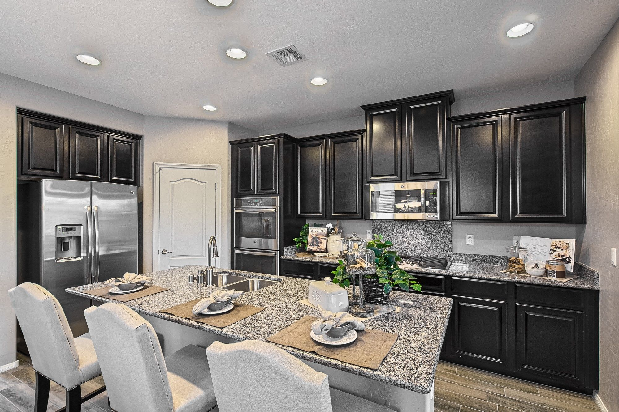 Elegant Kitchen Cabinets Las Vegas Would Dark Kitchen Cabinets Be A Delight Instead Of Ones
