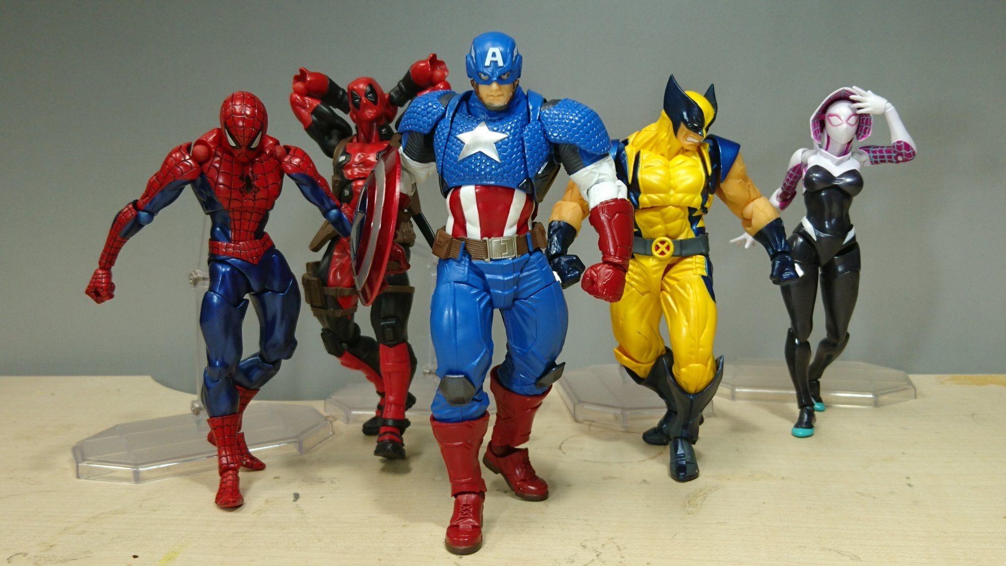 Marvel Legends Vintage Action Figure 16 cm Avengers