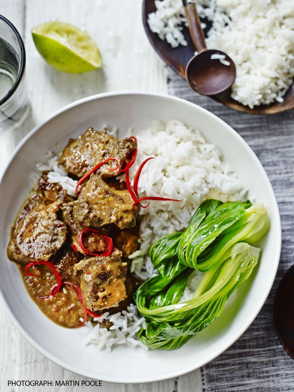 Weekend Curry Bill Granger S Beef Rendang Beef Recipes Indian