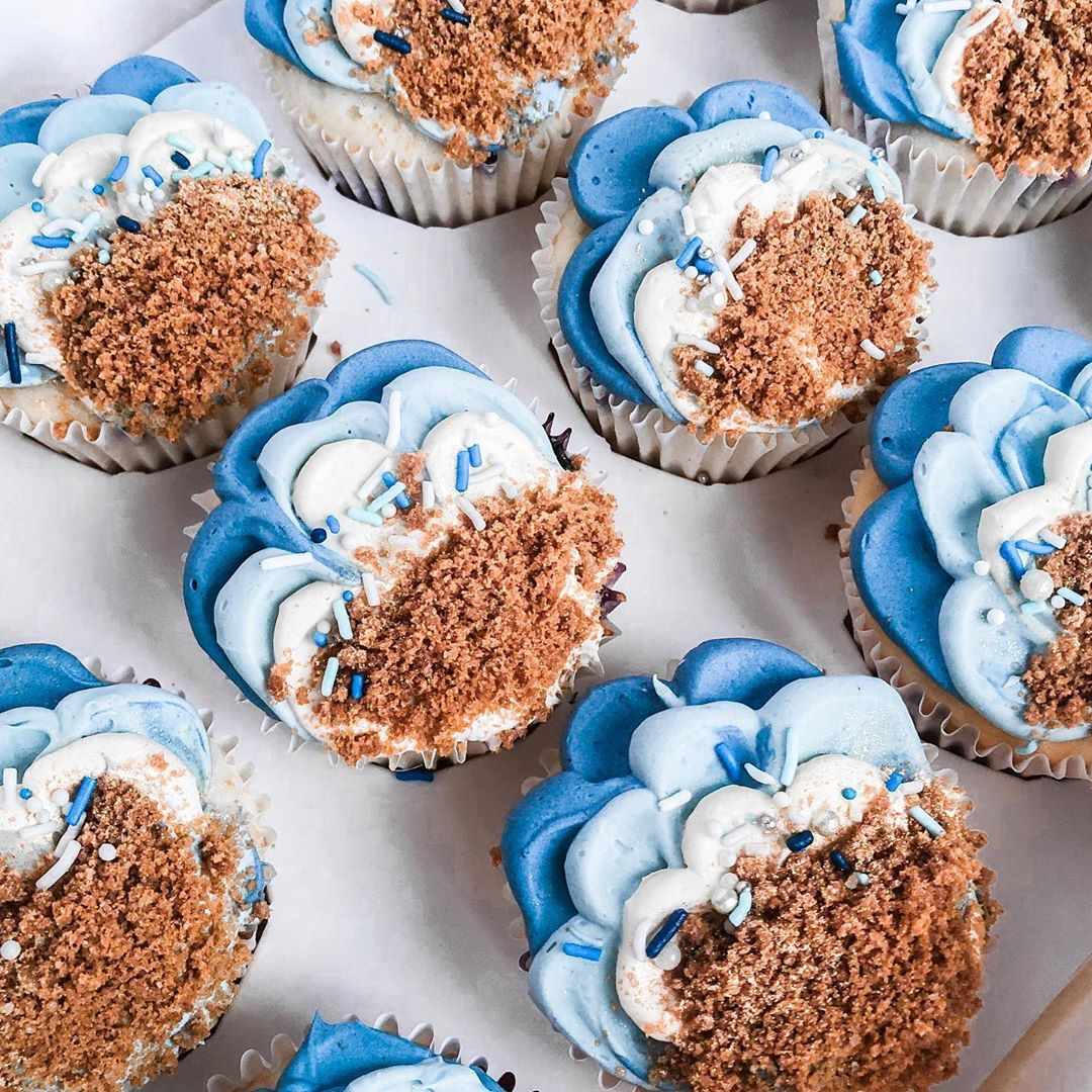 Customised Cupcakes 💙✨ •