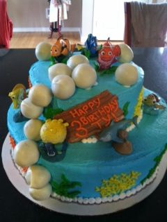 Finding Nemo Cake with Cake Pop Bubbles