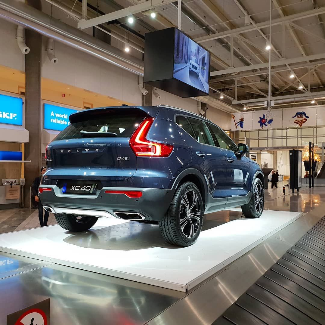 Volvo Xc40 Inscription Volvo Enthusiast From On Instagram In The Spotlight And Soon Electric Xc40 Inscription Here In T Volvo Volvo Xc Blue Denim