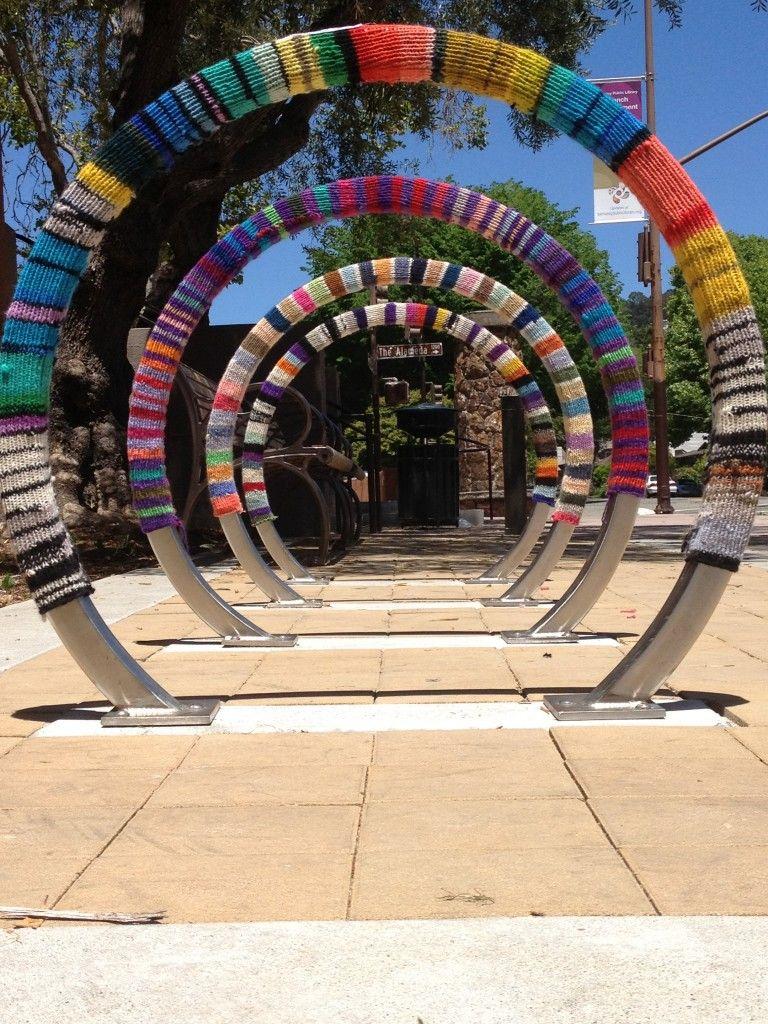 Berkeley library welcomes back yarnbombing on racks