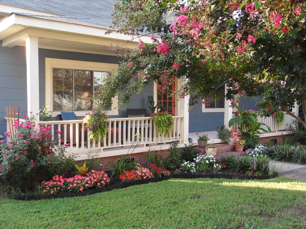 Front yard landscaping ideas with fence - Front Yard Landscaping Plants With Pink And Red Flowers And Blue Wood Wall White Wood Fence