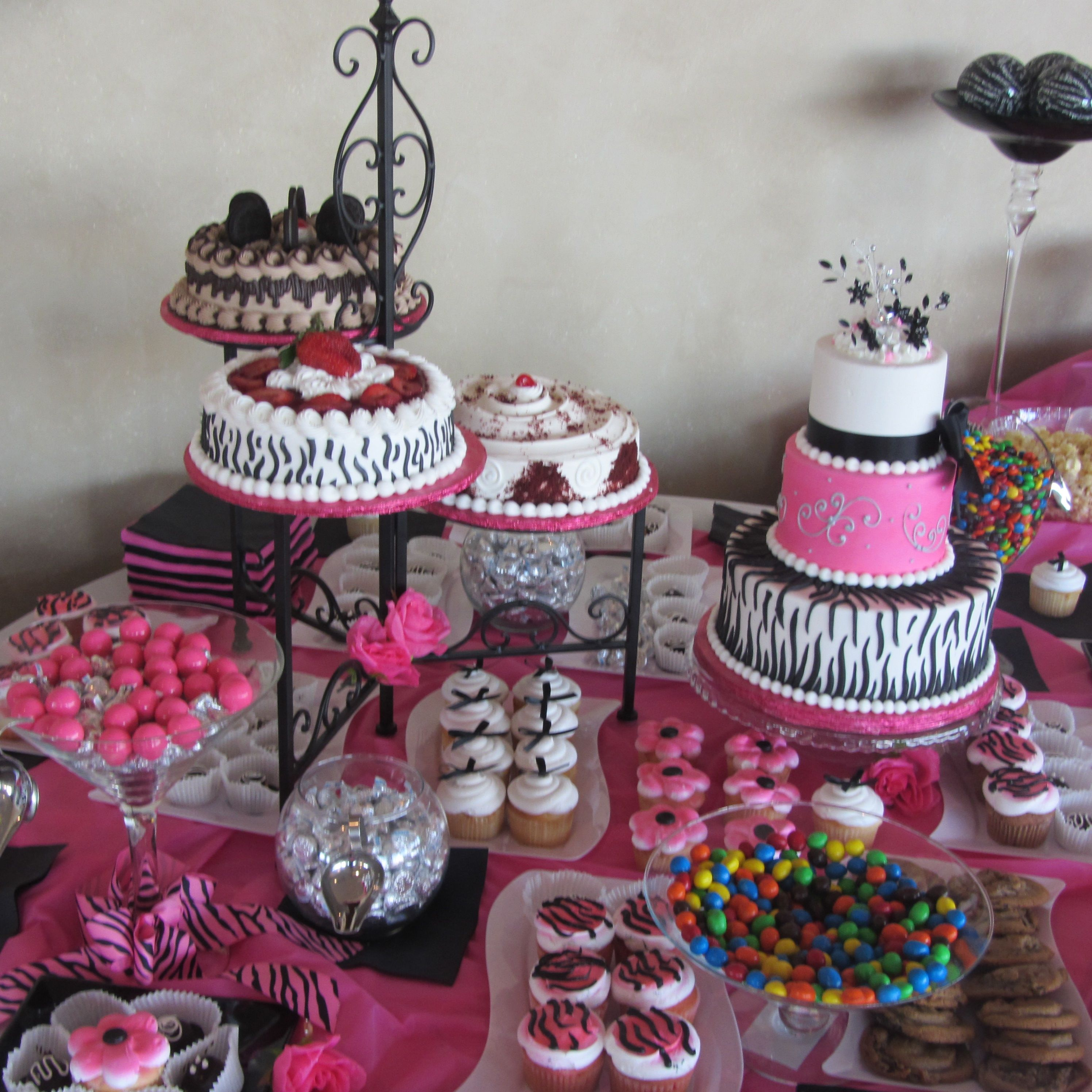 Candy buffet ideas for sweet sixteen - Find This Pin And More On Sweet 16 Party Idea