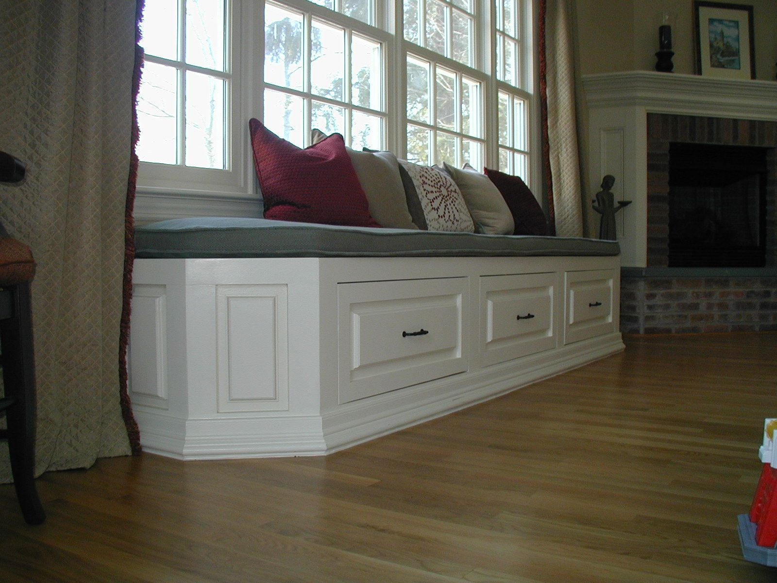 Pleasing Long Window Bench Furniture Cool Gray And White Bay Bralicious Painted Fabric Chair Ideas Braliciousco
