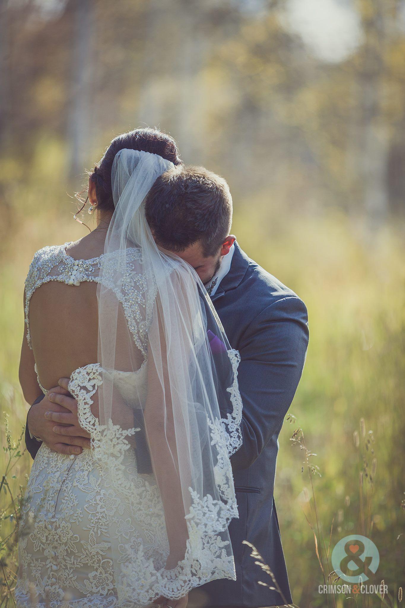 Pin By Lauren Seaton On Wedding Photography Wedding Best Wedding Photographers Wedding Dresses Lace