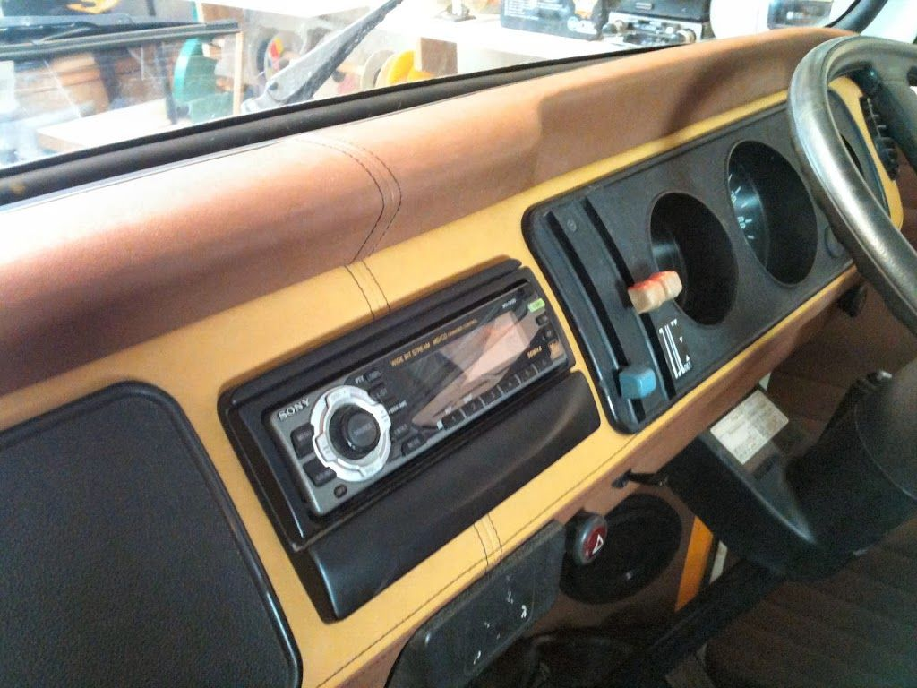 Two Tone Coloured T2 Vw Campervan Dashboard