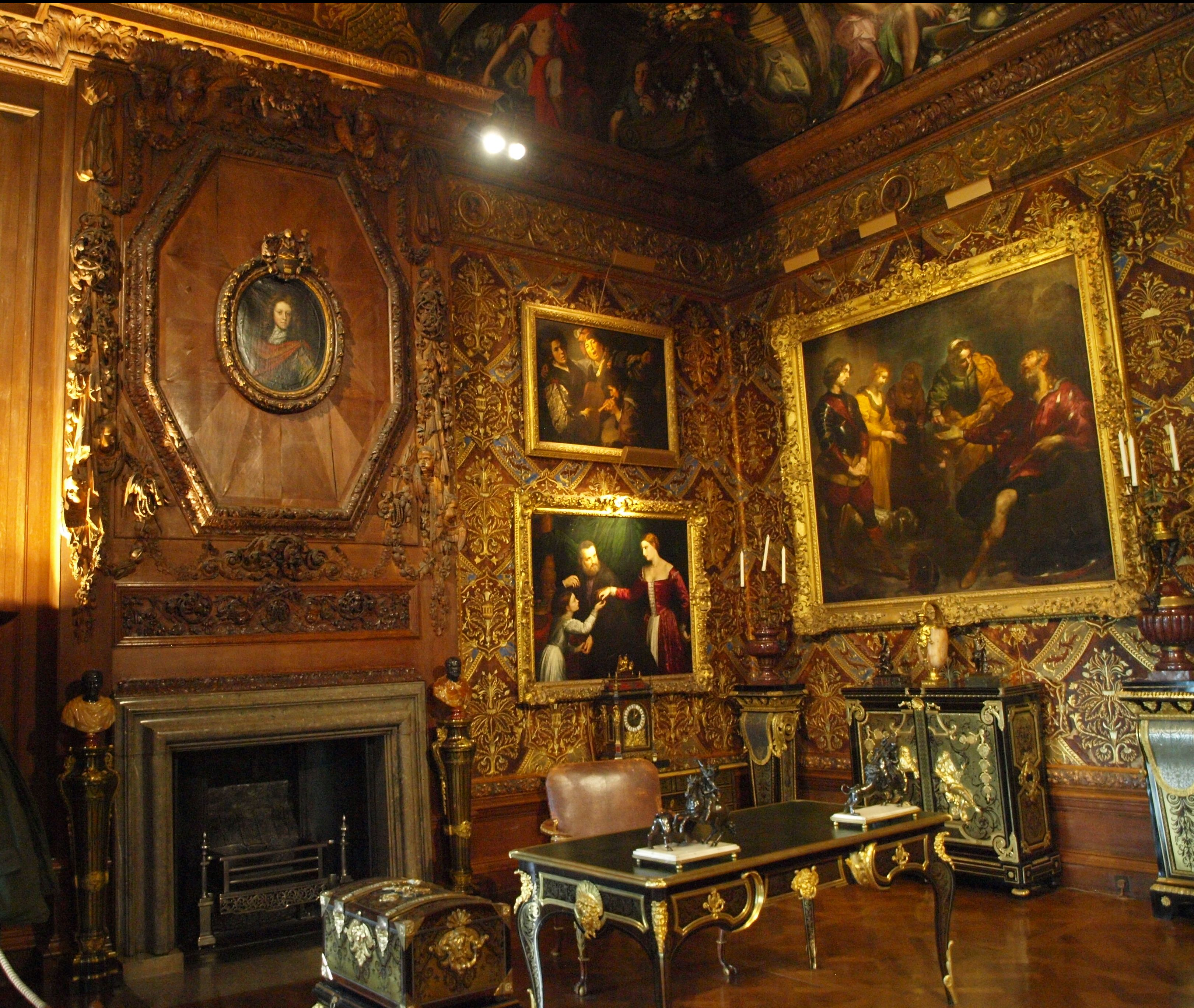 Chatsworth 3 Piece Traditional White Suite: Inside The Magnificent Chatsworth....Chatsworth House Is A