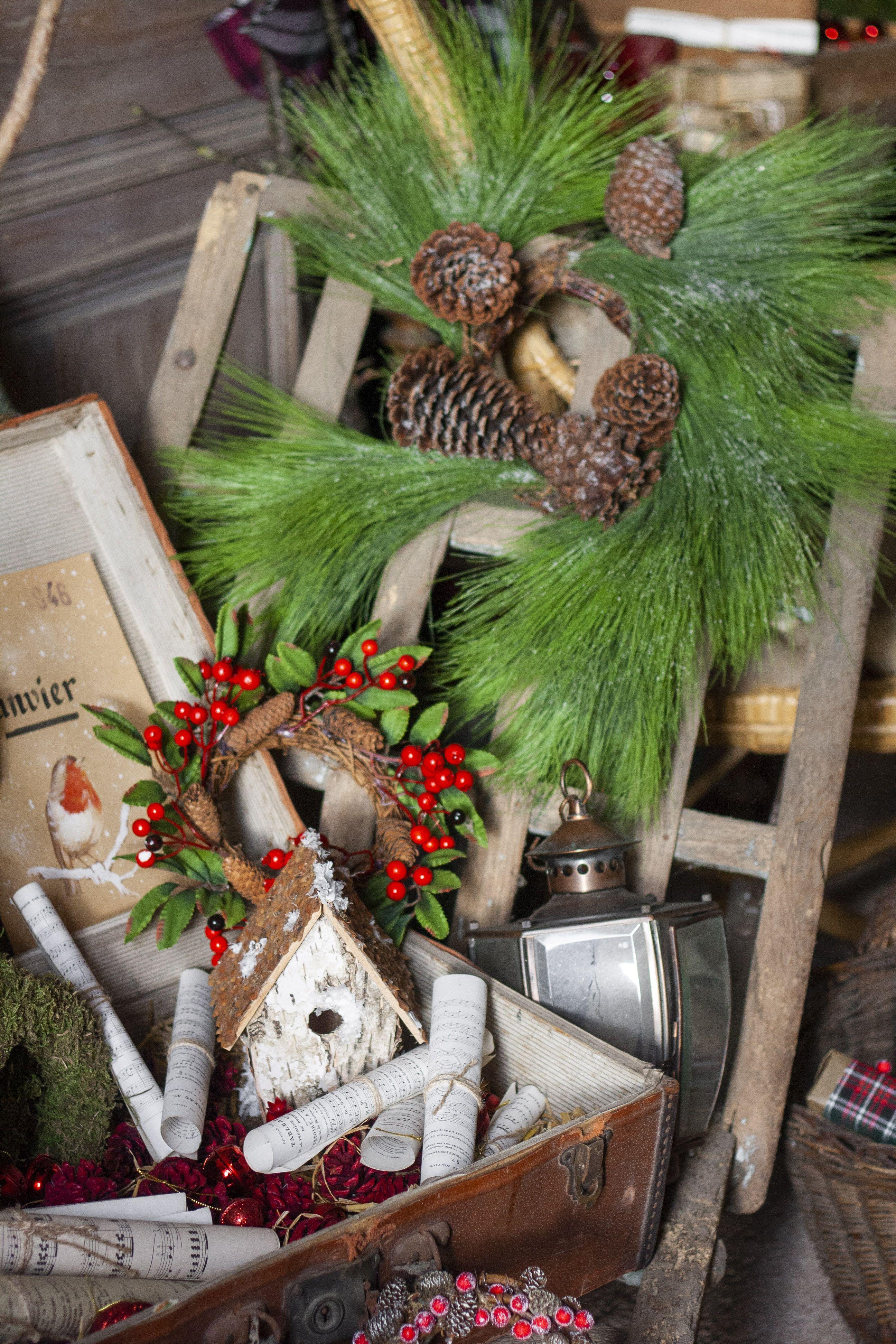 Epingle Par Evelyne Warchol Sur Deco Hiver Et Noel Couronne Noel Decoration Fete Deco Hiver