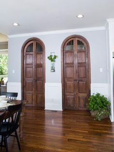 Old pantry doors fixer upper - Google Search & Old pantry doors fixer upper - Google Search | dream house wishlist ...