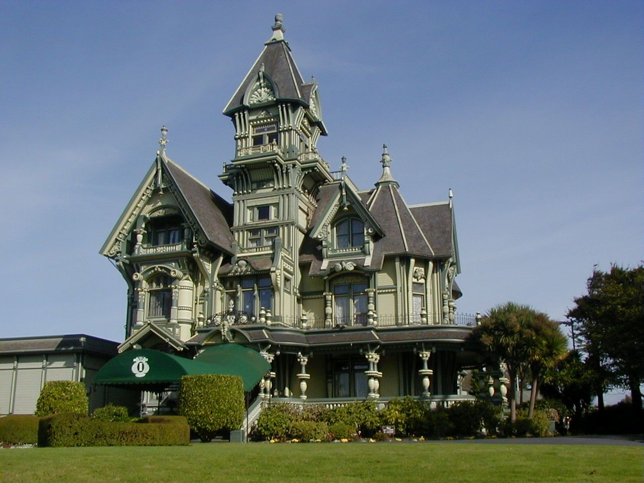 one of the best victorian homes in sanfrancisco sky