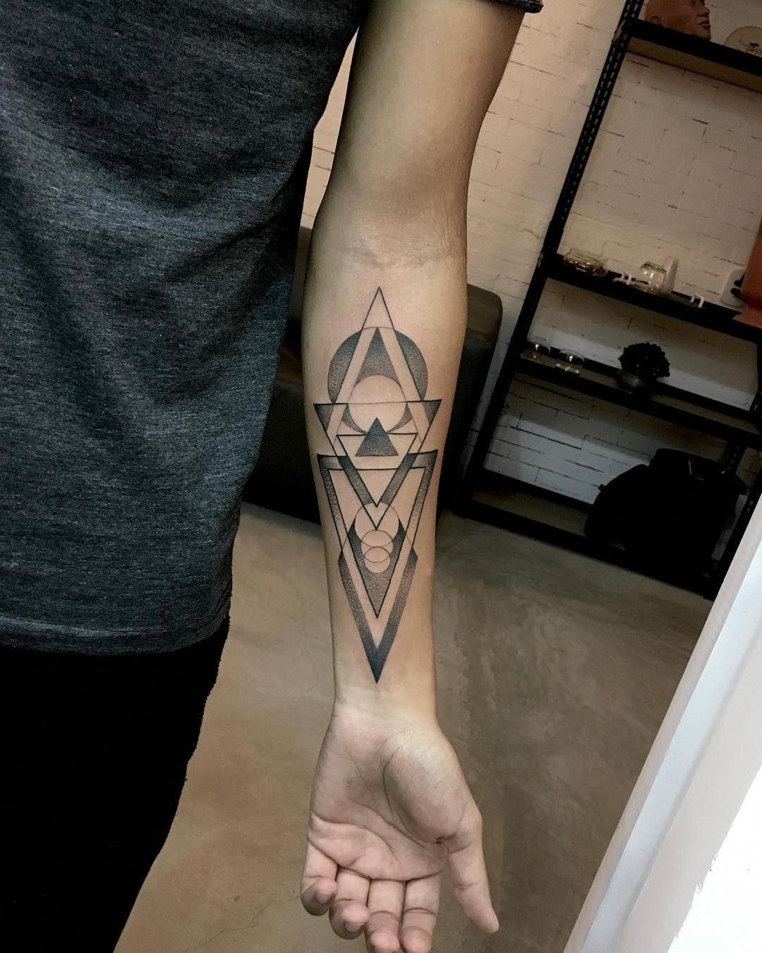 Cool Geometric Tattoo Tatuaje Tatuagem Tattoo2me Tattoo Tattooartist Blackwork Blackink Geometrictatt Geometric Tattoo Tattoos Geometric Tattoo Design