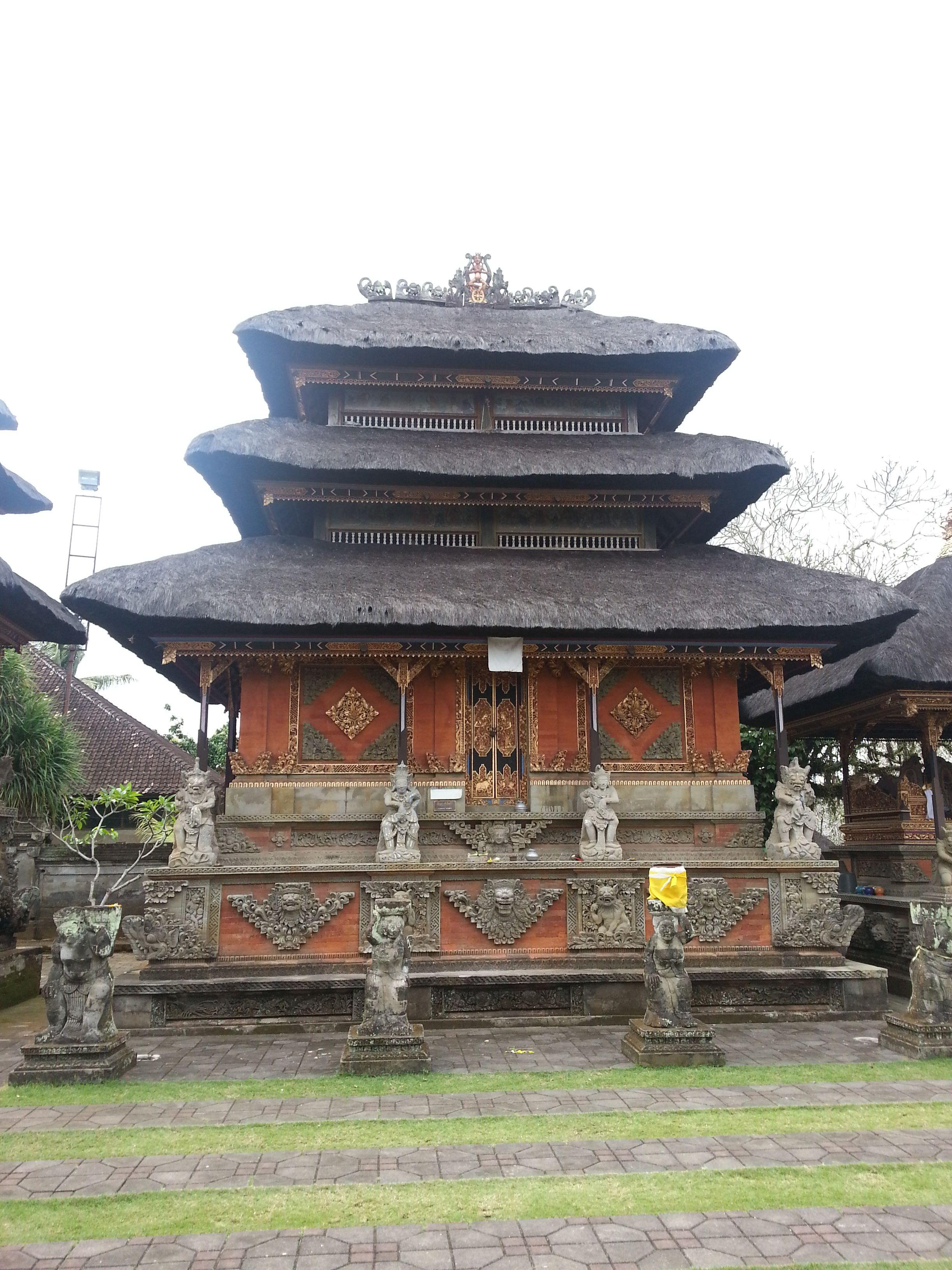 Batuan Temple Interior 005