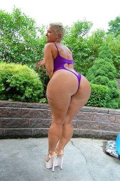 Big booty mature white women