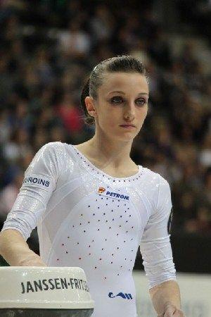Ana Porgras, Campioană Mondială La Gimnastică, A Luat ...  |Ana Porgras