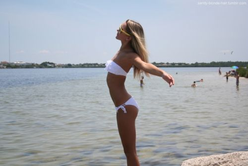 sandy-blonde-hair:    titanic! lolol why am i so weird?  ^why is your body so perfect?
