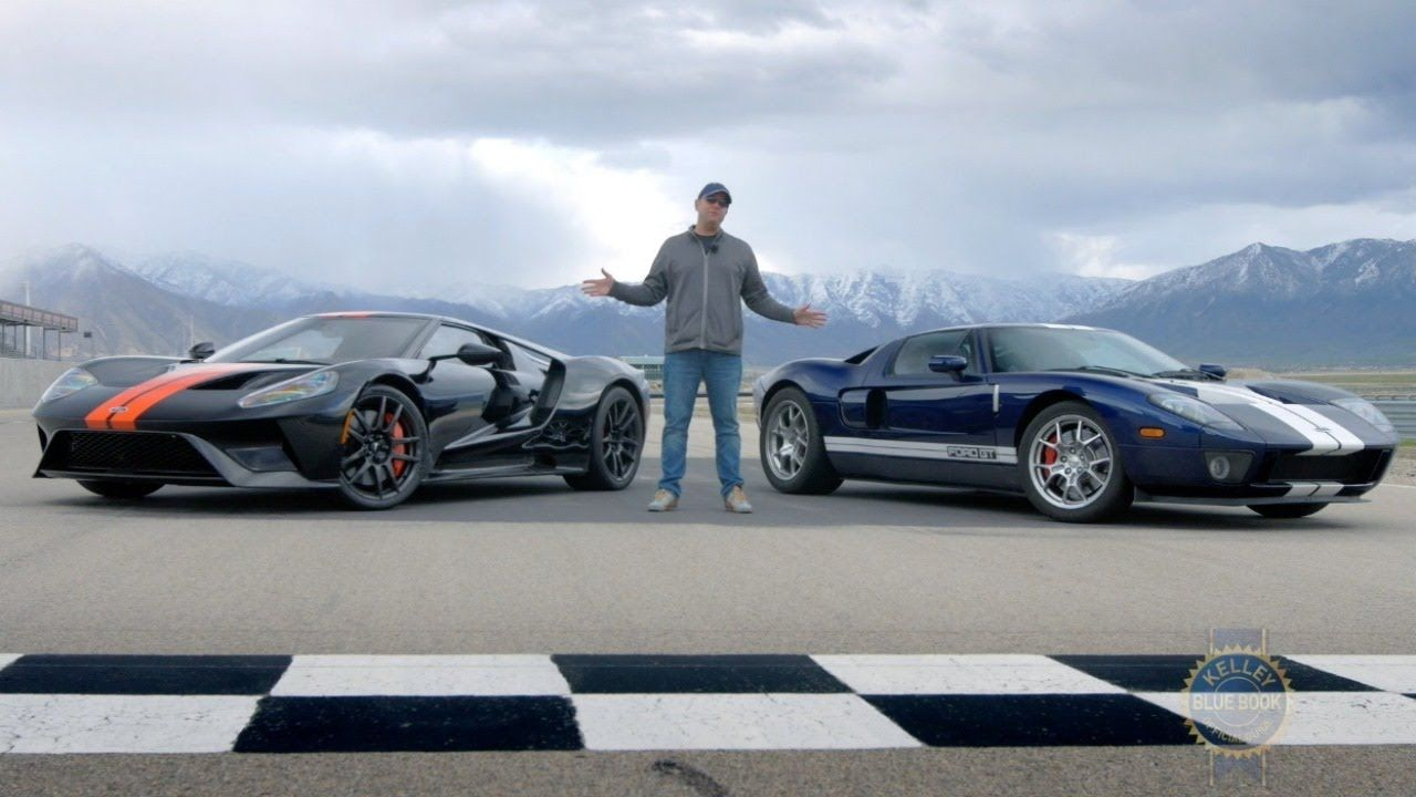 2017 Ford Gt Vs 2005 Ford Gt Ford Gt Ford Gt 2017 Cool Sports Cars