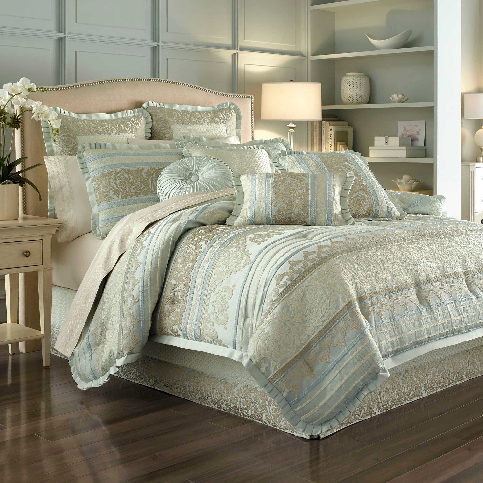 J. Queen New York™ Marcello Comforter Set in Ivory