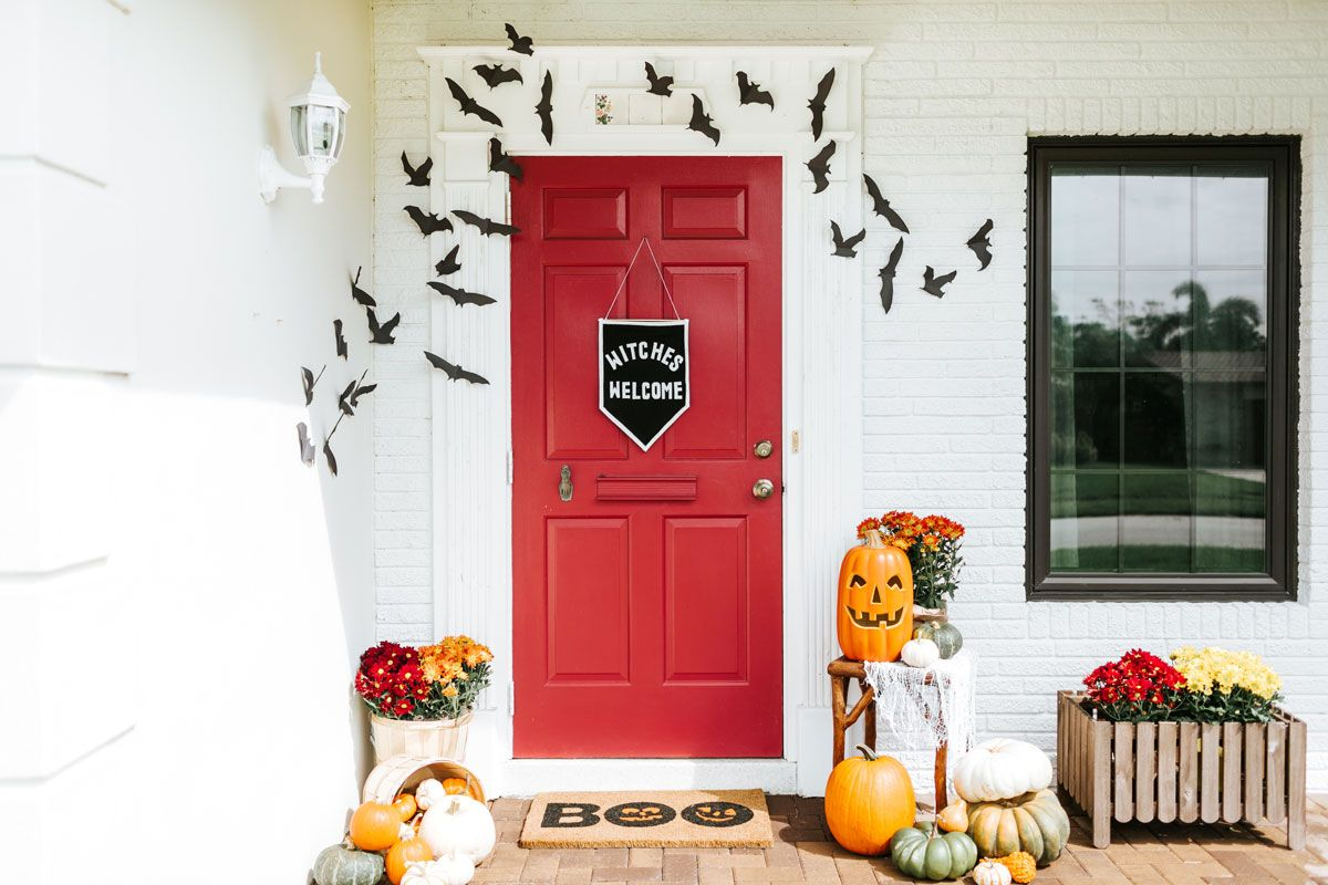 Trick-or-Greet How to Style the Best Looking Halloween Door on the - Front Door Halloween Decoration Ideas