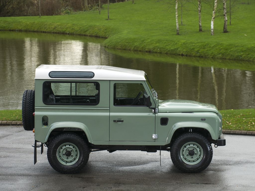 2015 land rover defender 90 heritage station wagon. Black Bedroom Furniture Sets. Home Design Ideas