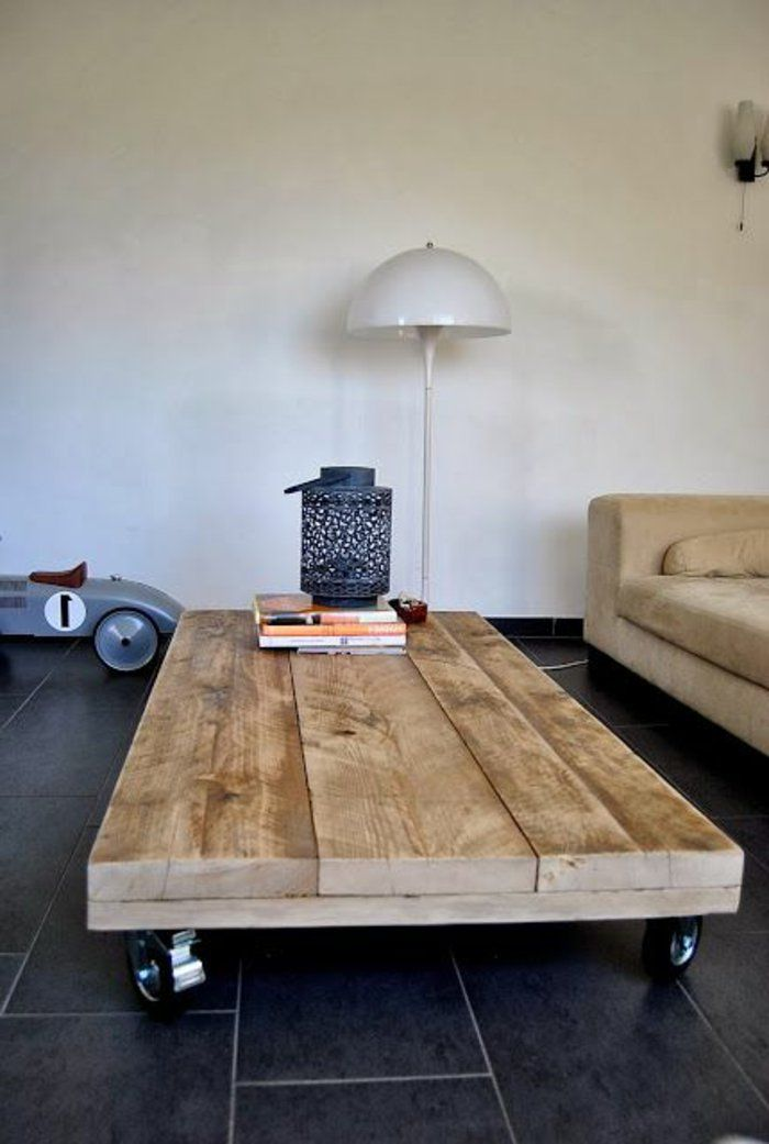 la table basse palette roulettes bois sofa