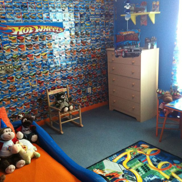 Hot wheels big room pinteres for Display bedroom ideas