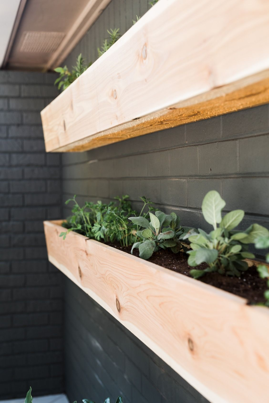 Build A Pair Of Wall Mounted Planters For Easy Access To The Herb Garden When Grilling Patio Wall Planters Wall Planters Outdoor Wall Mounted Planters Outdoor